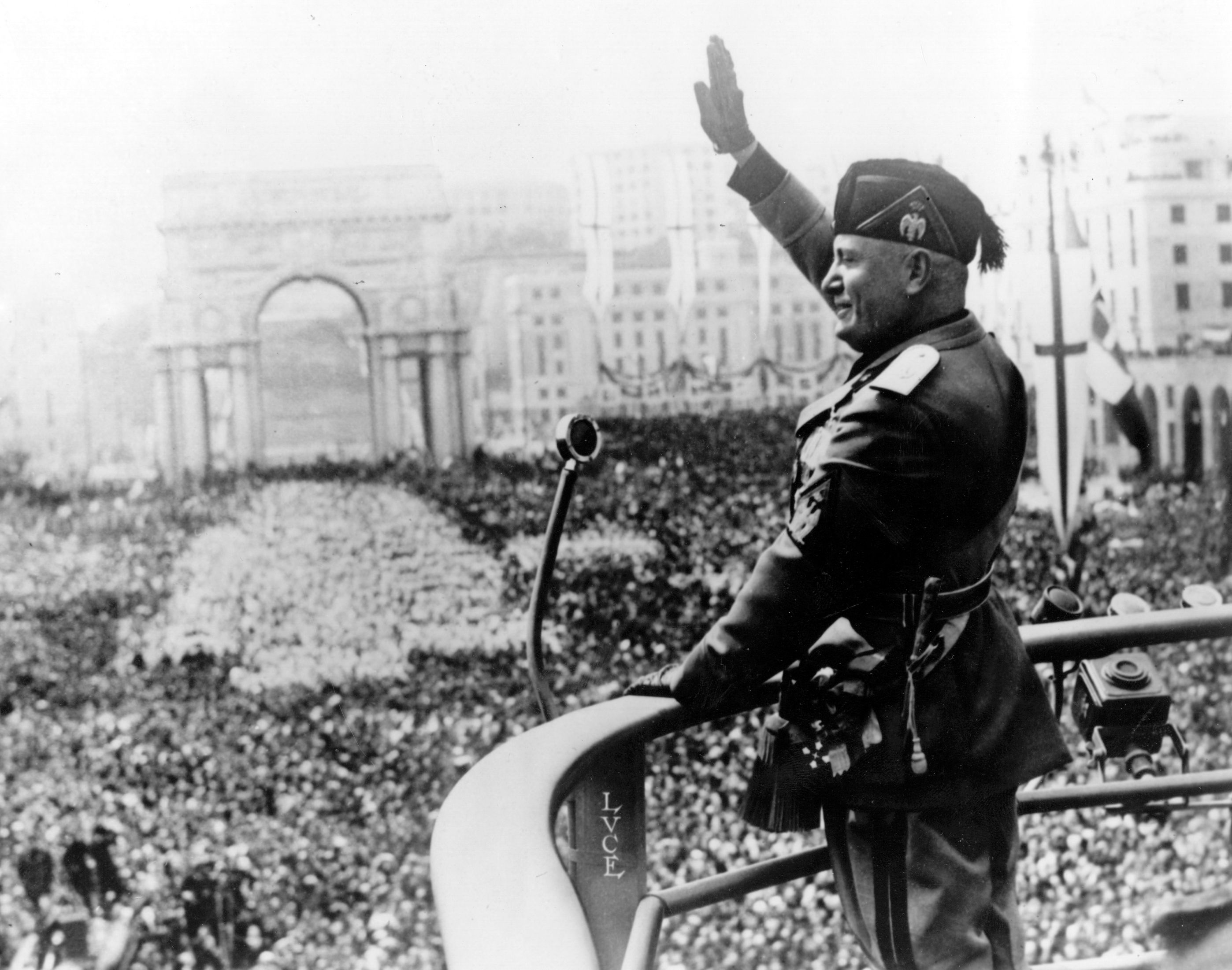 Mussolini And Crowd